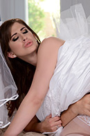 Blowjob porn video – Say Yes To Getting Fucked In Your Wedding Dress