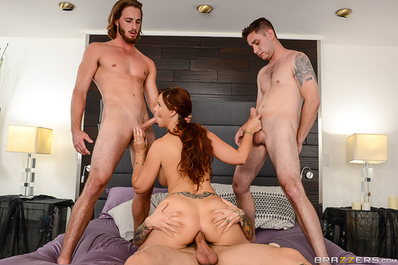 Mommy Got Boobs – My Three Stepsons – Syren De Mer, Brad Knight, Small Hands & Lucas Frost