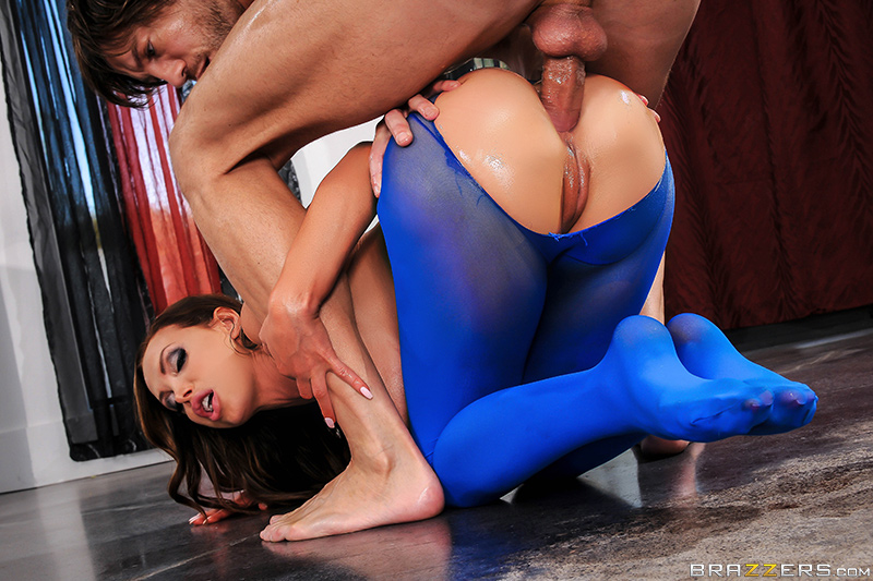 Big Wet Butts – Pantyhose Playtime – Nikki Benz & Jean Val Jean