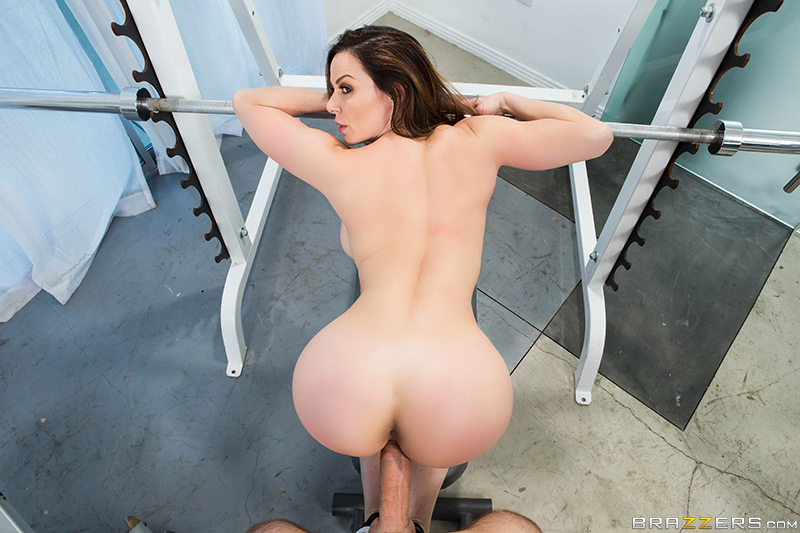 Brazzers Exxtra – Personal Trainers: Session 1 – Keiran Lee & Kendra Lust