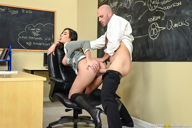 Big Tits At School – No Bubblecum In The Classroom – Johnny Sins & Karlee Grey