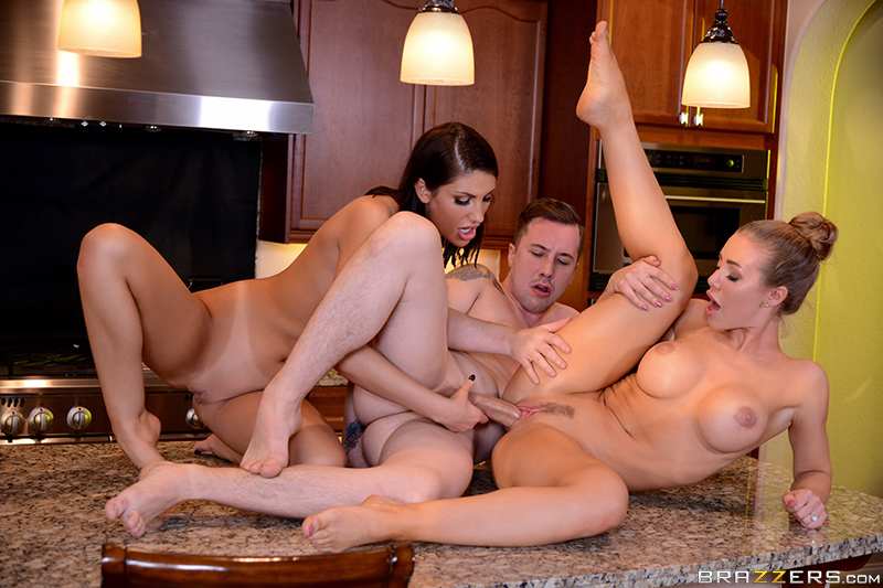 Fucking Neighbors! - Nicole Aniston, August Ames & Jessy Jones