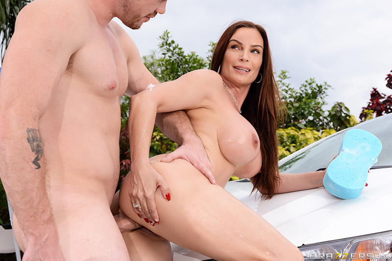 Mama's Car Wash - Diamond Foxxx & Kyle Mason