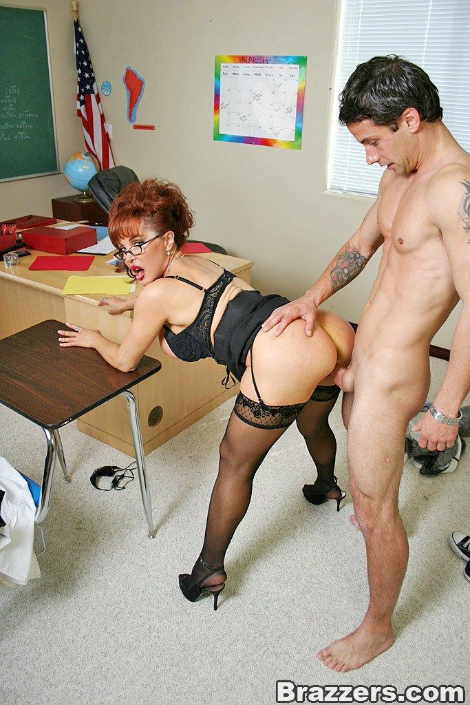Порно с училками по химии