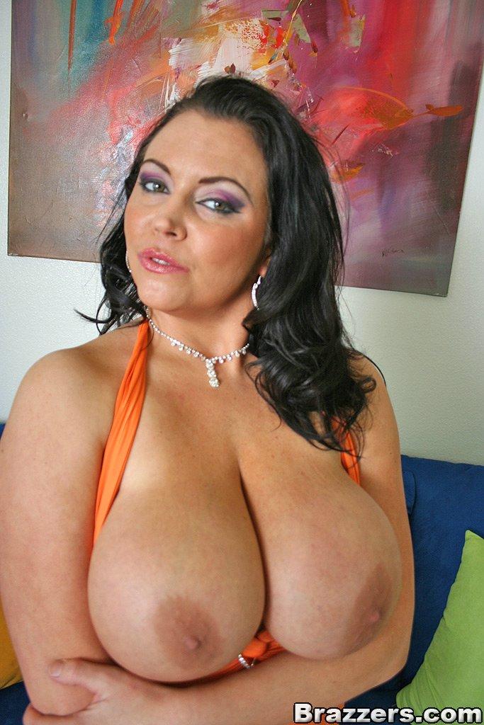 Brazzers dirty masseur jenni lee and johnny sins stret 2