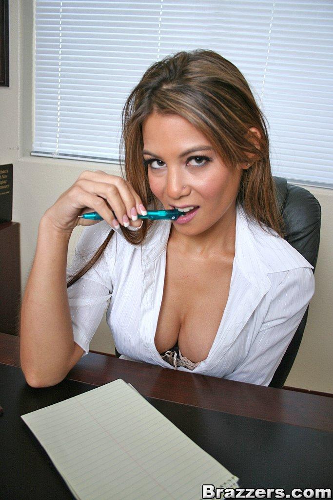 辦公室討好伺候女上司