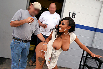 Public Lacey Duvalle Asses In#3
