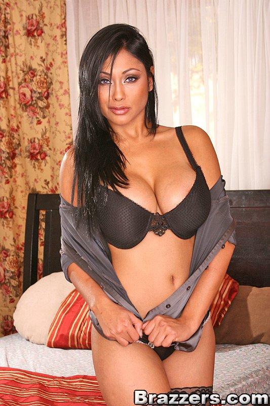 Priya Rai Mommy Got Boobs High Quality Pics 20