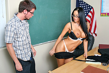 BigTitsAtSchool.com &#8211; Mikayla &#8211; Substitute Teacher