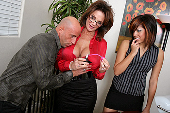 BigTitsAtWork.com &#8211; Deauxma &#8211; The Scent Of A Woman
