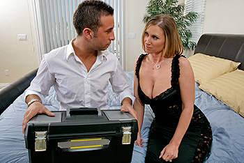 MommyGotBoobs.com &#8211; Devon Lee &#8211; The Landlord&#8217;s Wife for One Night!