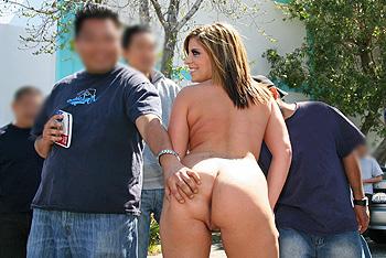 Nicole Banks Asses In Public
