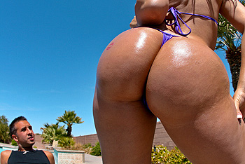 BigWetButts.com &#8211; Delilah Strong &#8211; Big Butt Pretty Face