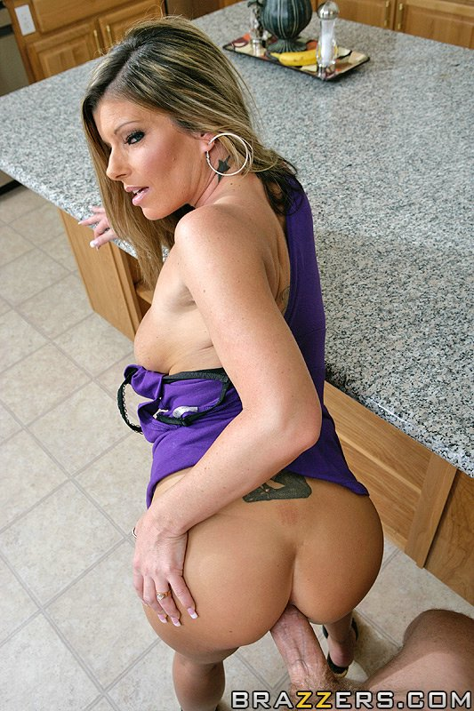 static brazzers scenes 3144 preview img 12