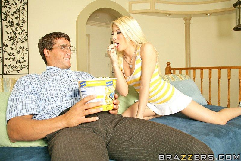 Сюрприз попкорн с членом