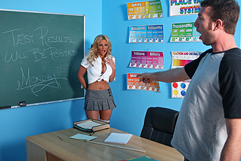 BigTitsAtSchool.com &#8211; Phoenix Marie &#8211; Changing Grades