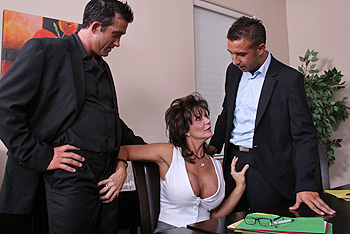 Deauxma milf porn video from MILFs Like It Big