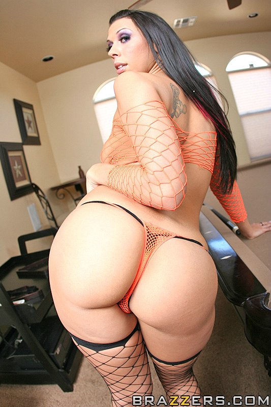 01 Big Wet Butts Rachel Starr   A Hypnotizing Ass