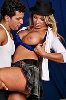 Mikey Butders, Nikki Sexx on brazzers