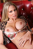 Cougar on the Hunt free video clip