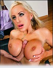 10,000+ Scenes of Hot Pornstars