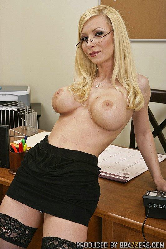Big Blond Brazzers 25
