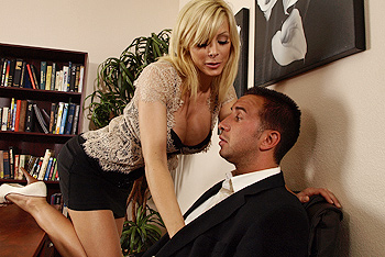 Brazzers Big Tits at Work - Holly Sampson