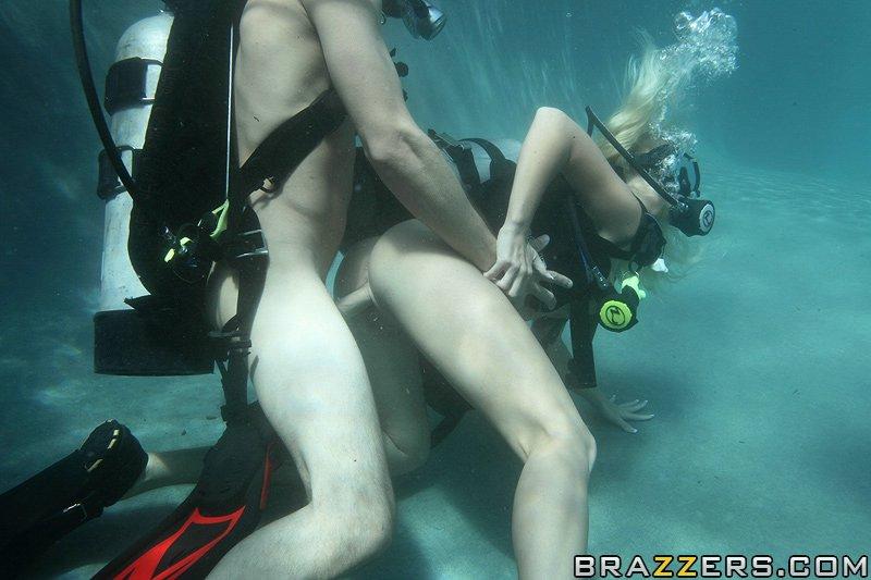 Секс в акваланге.