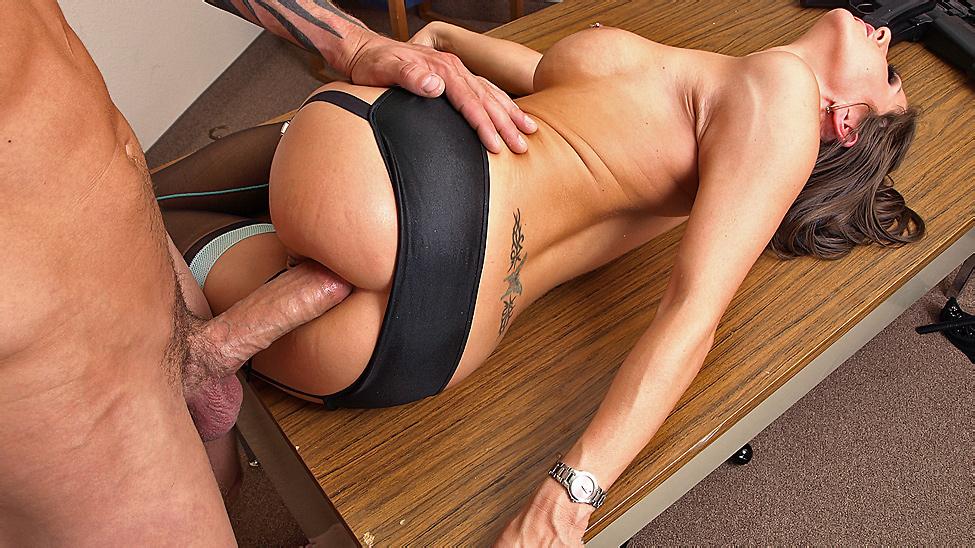 фото онлайн секс на столе