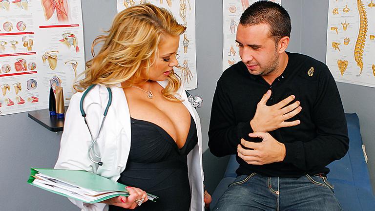 Sexy-doctor-Shyla-Stylez