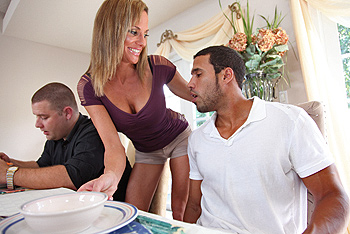 Brazzers Milfs Like it Big - Montana Skye