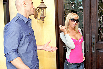 Jessica Lynn, Taylor Wane big boobs video from Baby Got Boobs