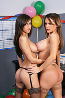Pussy Licking porn video – Office Bonus Party