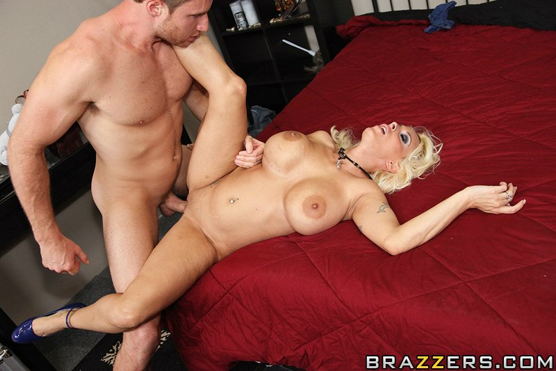 static brazzers scenes 4700 preview img 10