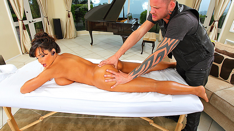 Lisa-Ann-massage-with-anal