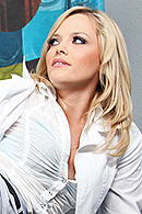 Alexis just finished a stressful shift at the hospital and calls her boyfriend to get her mind off work. The conversation gets spicy and Alexis starts touching her self. Doctor James passes by and catches her getting off in the break room and lets her know that if things are getting stressful at work she can CUM see him at any time. from Brazzers Network