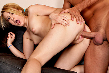 Brazzers Teens Like It Big - Bella Banxx