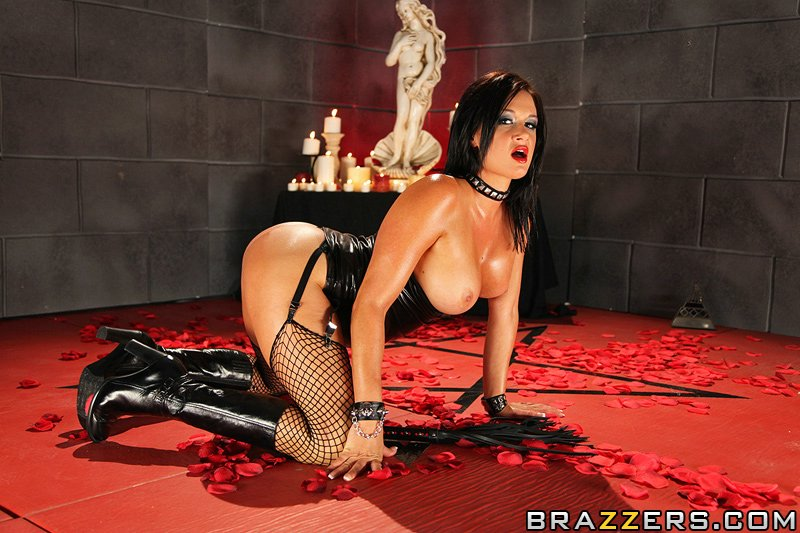 Hot And Mean Tory Lane