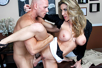 Big Tits at Work &#8211; Kayla Paige &#8211; Air ConTiTioning