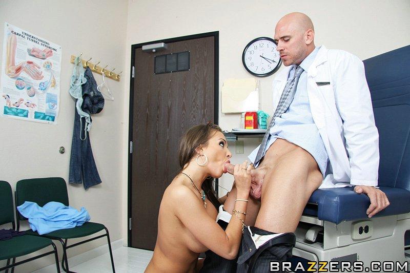 Пришла на прием к гинекологу и он трахнул ее разговоры на русском 18 фотография