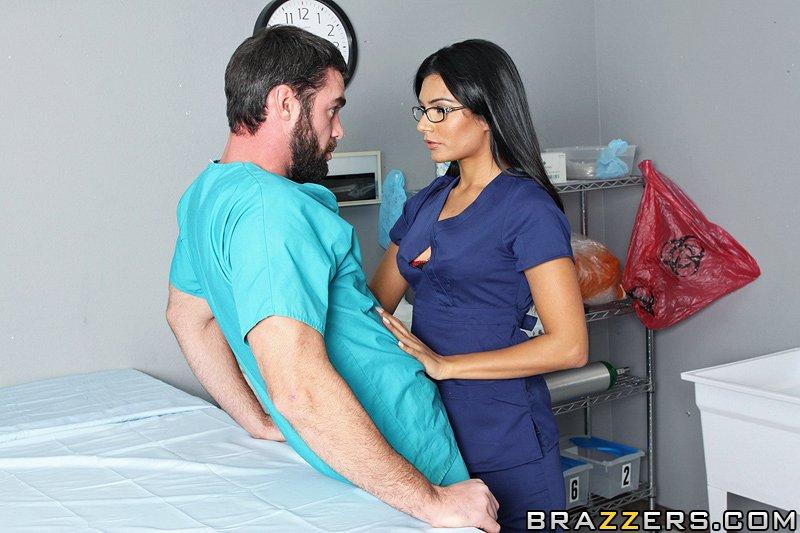 Секс медсестра соблазнила 33 фотография