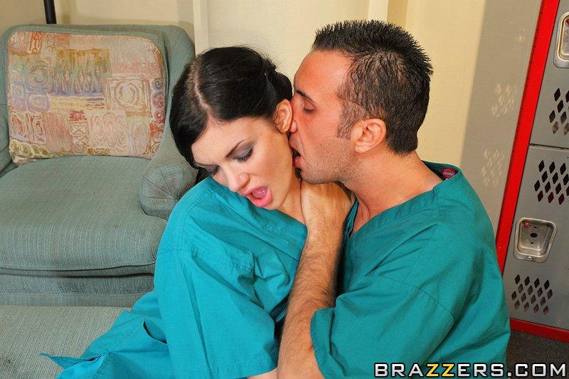 Смотреть секс по докторски andy san dimas sexy doctor takes advantage of male nurse 29 фотография