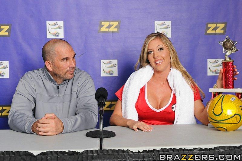 Секс с соблазнительной блондинкой