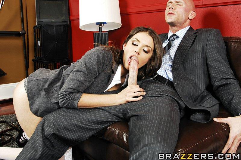 Allie Haze помешана на больших членах