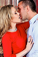Courtney Cummz, Julia Ann07