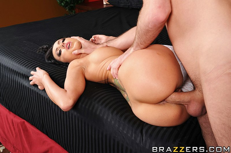 static brazzers scenes 5570 preview img 10