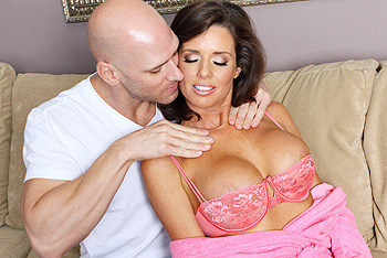 Veronica Avluv big boobs video from Mommy Got Boobs