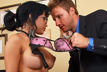 Big Tits at Work &#8211; Abella Anderson &#8211; Suckretary