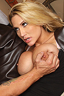 Brazzers HD video - Fistful Of Pussy