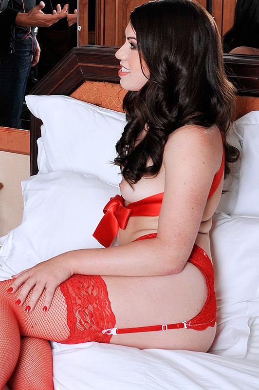 Анальный секс в Париже с Tiffany Doll